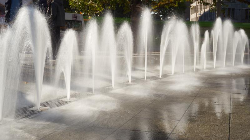 Wasserspiel vor dem Hauptbahnhof in Hannover